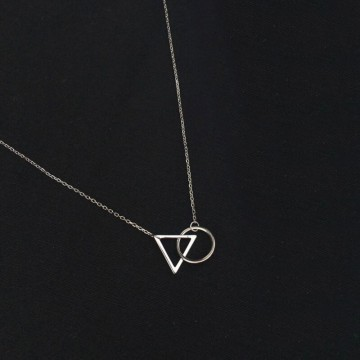 Collier cercle triangle