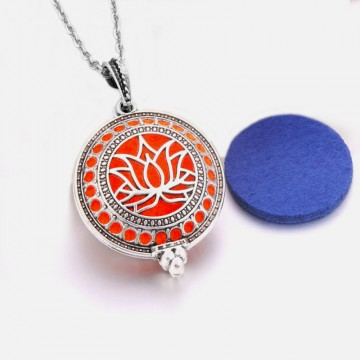 Lotus necklace for aromatherapy